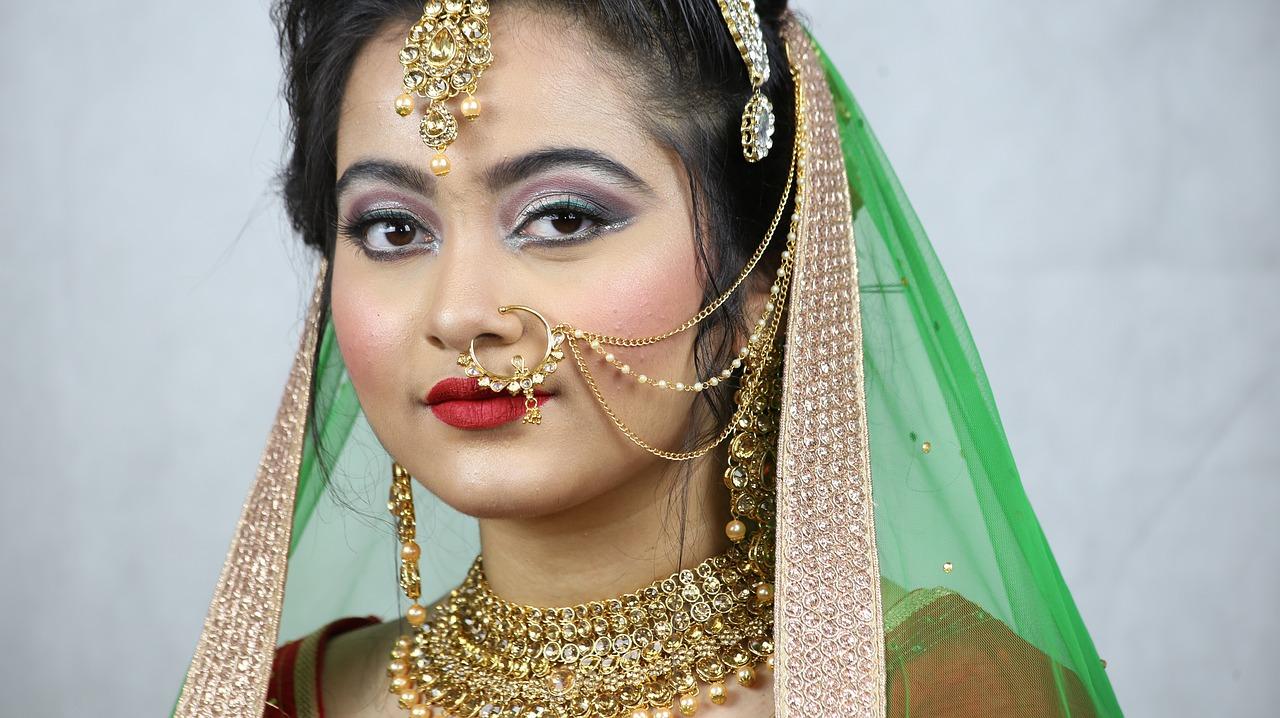 henna makeup